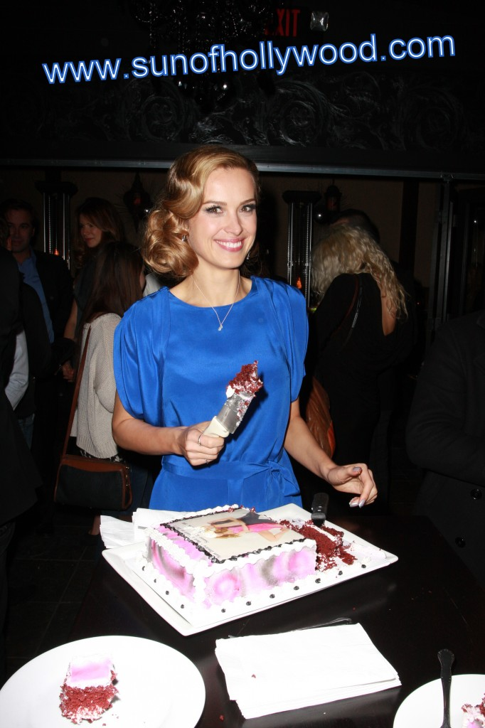 Petra Nemcova Is a Dangerous Woman !!!  To cakes all around the world