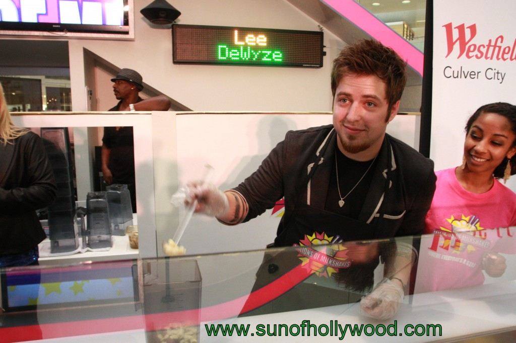 Lee DeWyze and his birthday surprise / Millions of Milkshakes and ladies that cry