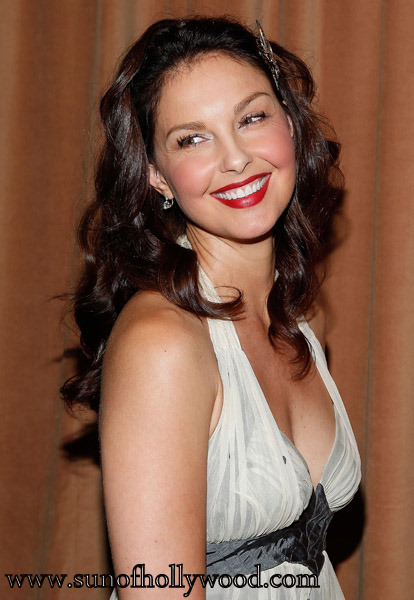 To Ashley Judd: The Pain Of Your Past Will Become The Strength Of Your Future