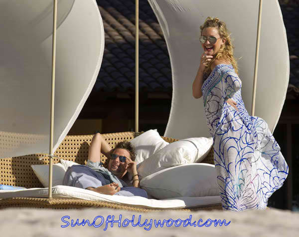 Kate Hudson and Matthew Bellamy livin the good life in Punta Mita, Mexico