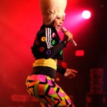 Nicki Minaj rocks her manufactured booty and Marge Simpson Blonde Do