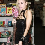 paulalabaredas_susanblock_girlsandcorpses_meltdowncomics_SunOfHollywood_47