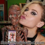 paulalabaredas_susanblock_girlsandcorpses_meltdowncomics_SunOfHollywood_51