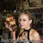 paulalabaredas_susanblock_girlsandcorpses_meltdowncomics_SunOfHollywood_60