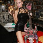paulalabaredas_susanblock_girlsandcorpses_meltdowncomics_SunOfHollywood_64