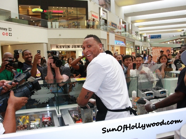 "Shawn Marion Gives SunOfHollywood.com A Super Sexy ""Over The Shoulder"""