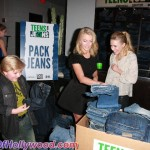 juliannehough_kristenbell_teensforjeans_sunofhollywood_45