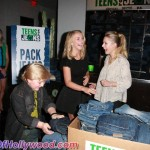 juliannehough_kristenbell_teensforjeans_sunofhollywood_47