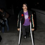 anthonykiedis_lakers_crutches_sunofhollywood_08