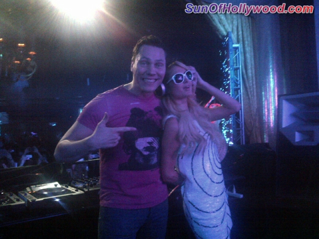 Dj Tiesto with Paris Hilton... Should DJ Afrojack Be Getting Worried ????