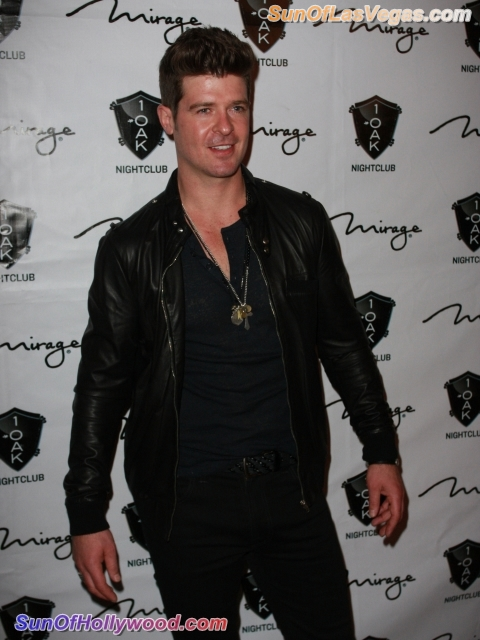 Robin Thicke At 1Oak In Vegas Let's The Good Times Rock And Roll