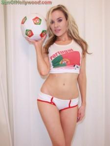 paulalabaredas_portugal_soccer_futbol_netherlands_czechrepublic_cristianoronaldo_sunofhollywood_50
