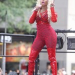 todayshow_concert_sunofhollywood_08_nickiminaj