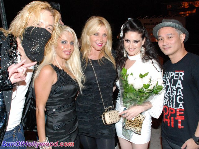 Kuba Ka, Sabrina Parisi, Pamela Bach-Hasselhoff, Vikki Lizzi and DJ Serafin Party In The Name Of Vikki