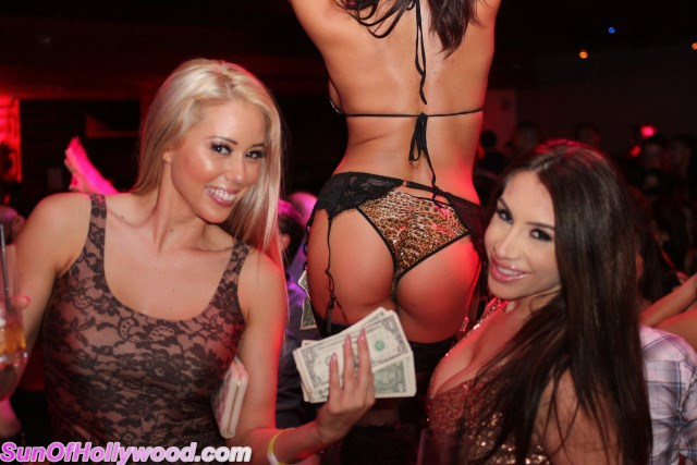 Nikki Giavasis & Lux Makin it Rain on Som Berffday Booty.. Now if Only They Can Just Get it to Rain Booty