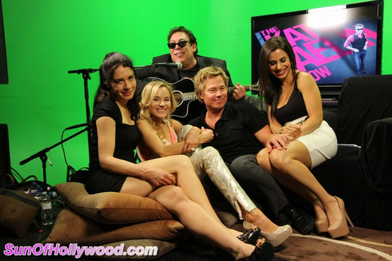 The Kato Kaelin Show With Gals Across The Globe