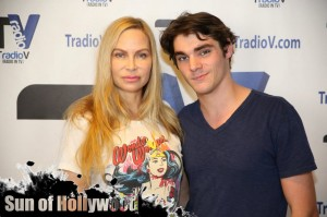 christina fulton rj mitte breaking bad playing it forward tradiov help stop the bully garry sun prophecy sunofhollywood 06