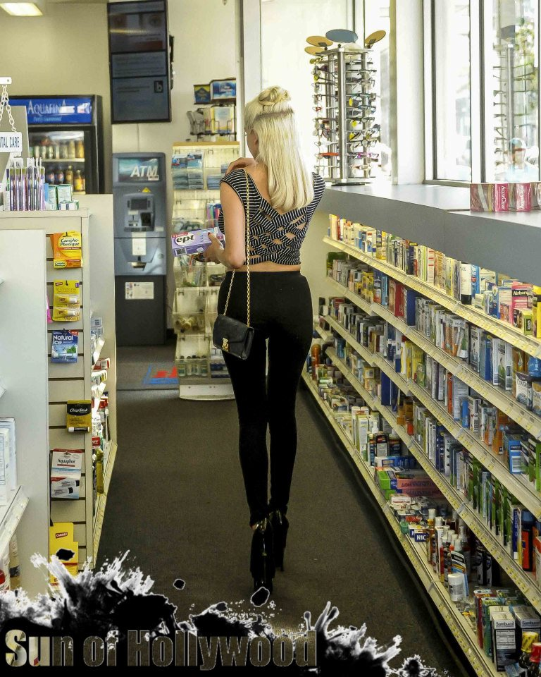 courtney stodden pregnancy test beverly hills pharmacy baby garry sun prophecy sunofhollywood 02