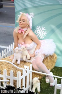 courtney stodden peta sheep sheering hollywood highland garry sun prophecy sunofhollywood 14