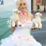 courtney stodden peta sheep sheering hollywood highland garry sun prophecy sunofhollywood 22