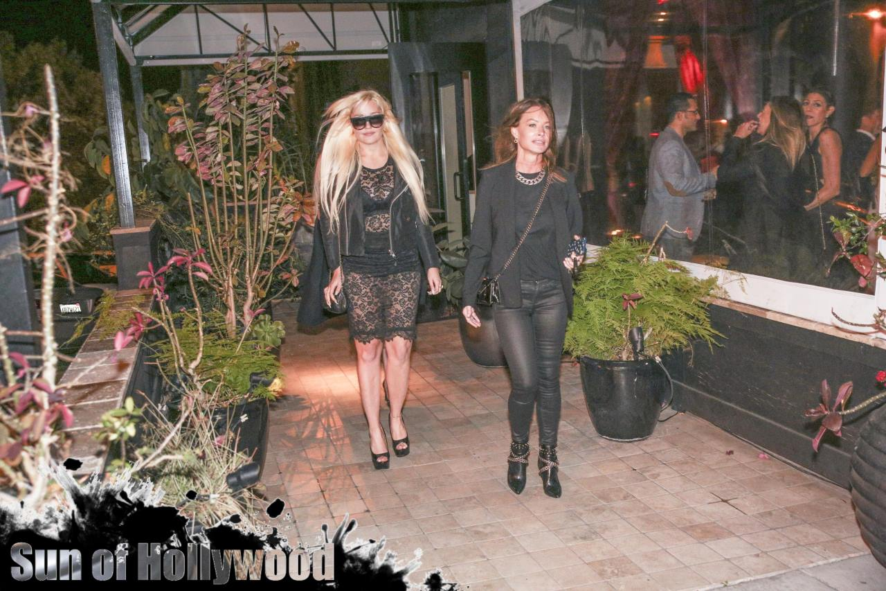 amanda bynes obsev studio holiday party diana madison rare drais sunset plaza garry prophecy sun sunofhollywood 02